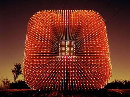 盘点全球最奇特的8座灯光雕塑(组图)