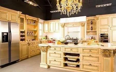 """厨柜厨具 大户豪宅首选 实木橱柜大推荐    这款橱柜产品是""""岛式""""的"""