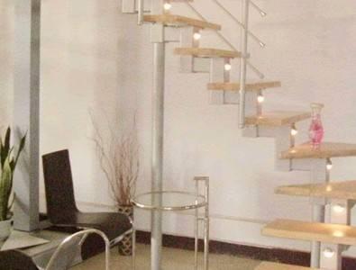 铺设的各种木地板楼梯图