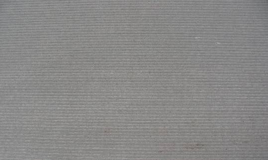 砂岩,块度大,硬度高,节理、解理不发育、质地细密、颜色纯正,抗风化力强,耐酸碱,无辐射污染。适用于改板、石雕、浮雕等工艺制作,是家庭装饰、城市公共场所和旅游胜地装饰建设的优秀材料。每立方2.5吨 诚交天下朋友 联系人: 杨林翰 联系手机 18080207160 联系电话 0832-9372552 邮箱 yanglinhan2@qq.