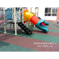 幼儿园室外橡胶地板
