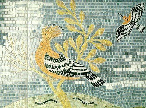 马赛克丰富的色彩为空间增添了立体感,新锐马赛克与沉稳灰色瓷砖完美