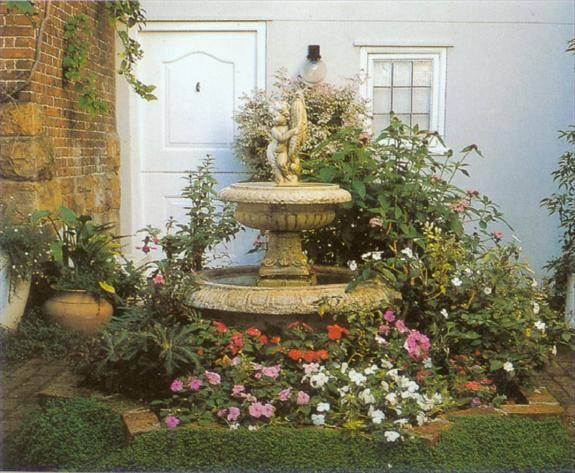 别墅庭院喷泉设计施工 庭院假山水景设计施工 人工湖池塘设计与产品图片