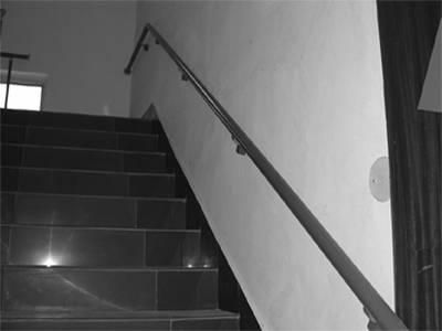 符合建筑物无障碍设计规范,可以连续不断按装使用在走廊,阳台,楼梯间