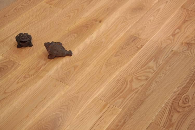 得喜白蜡木实木地板 体验原木家居生活