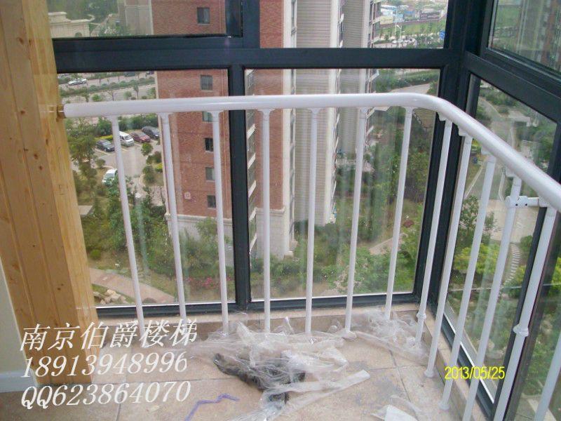 三层半别墅阳台护栏设计图展示