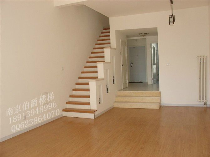 水泥现浇楼梯