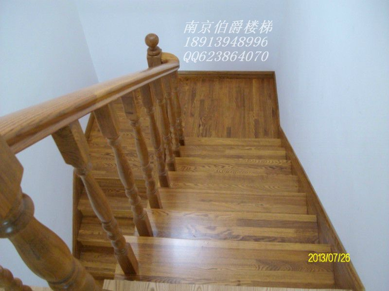 伯爵楼梯----水泥现浇实木楼梯