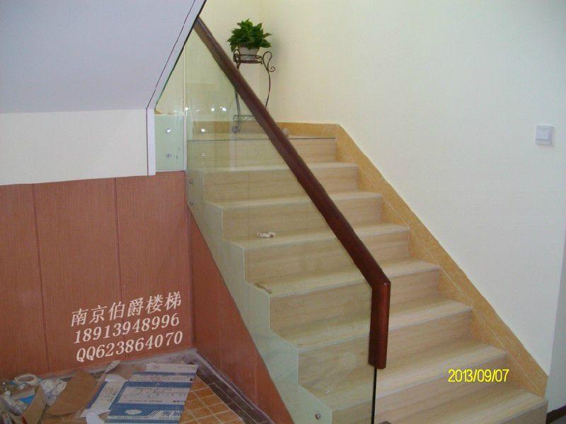 南京伯爵楼梯----整体玻璃夹实木楼梯护
