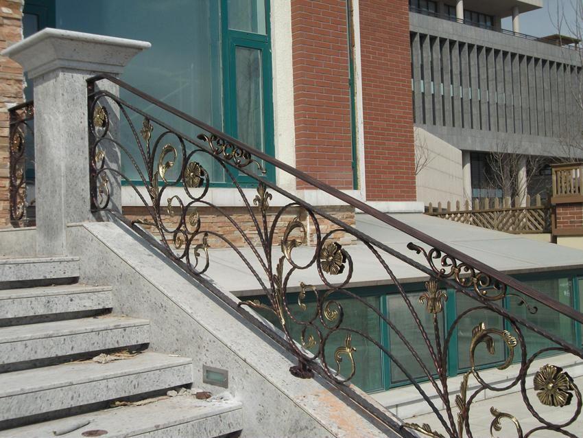 欧陆风情铁艺室外楼梯扶手