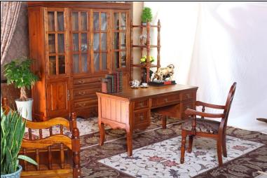 北国之椿书桌