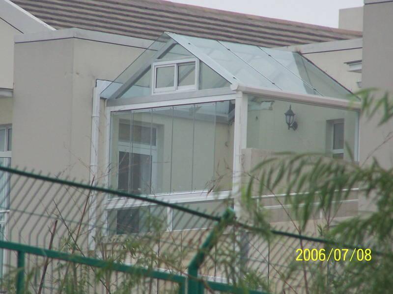 幕墙阳光房 玻璃  烤漆方管  玻璃  人字形钢结构阳光房 顶棚; 人字形