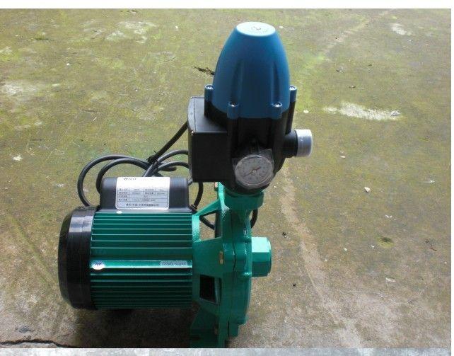 品牌简介: WILO(威乐)作为百年的德国品牌,创建于1872年,总部设在德国多特蒙德市。2000年,WILO收购了韩国LG集团的水泵业务。 产品型号:PUN-600E 产品功率:600 W 最大扬程:25m 最大流量:6.9吨/小时 水泵管径:25mm 产品重量:12.5kg 产品尺寸:泵长290mm*泵宽195mm*泵高:450mm(加压力控制器) 产品用途: 主要用于大户型、别墅用户全家用水增压、自来水增压、热水器增压、浴池供水 小型楼宇供水; 制冷系统,空调系统,园艺灌溉系统和小型工业供水系统的液