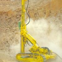 工程機械出租-多功能履帶式液壓潛孔鉆機