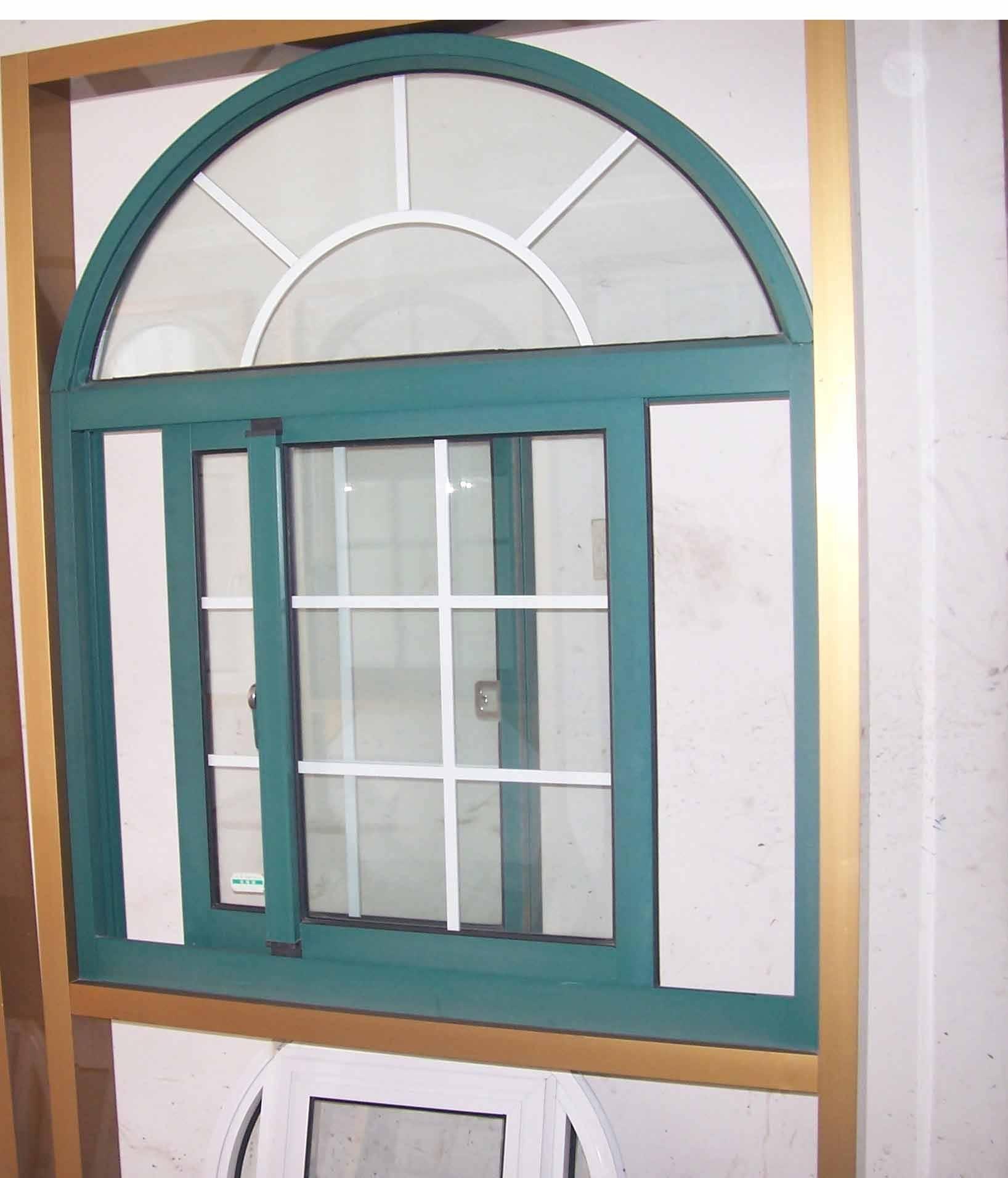 铝合金门窗是金属材料