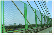 橋梁護欄網防護網隔離柵欄網電焊網尼龍篩-- ZCX