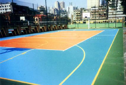 户外运动场_【深圳室外运动场安装灯柱68米篮球场灯杆灯