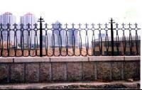 圍欄.欄桿.鑄鐵圍墻欄桿,電動門,藝術仿古大門,綠化欄桿-- 臨朐藝術欄桿