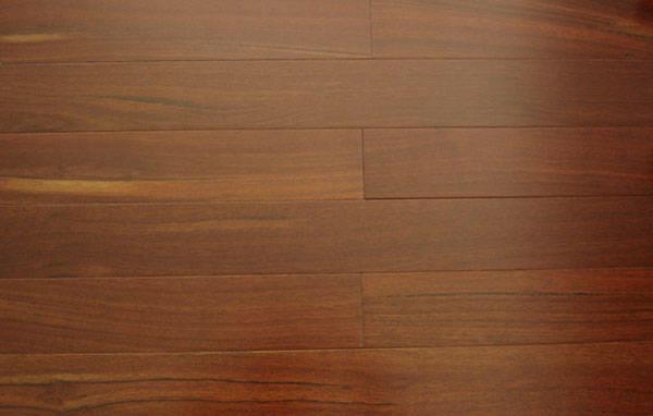 广泛用于制造红木家具,地板,木皮,木线条,楼梯,户外及室内装饰,雕刻