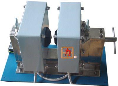 pem-80ac交直流电磁铁采用单扼c形结构,卧式水冷式电磁铁,视野开阔