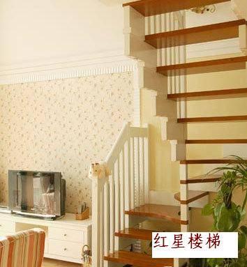 门厅楼梯装修; 阁楼楼梯装修效果图:绿色植物是点缀; 小户型复式楼梯