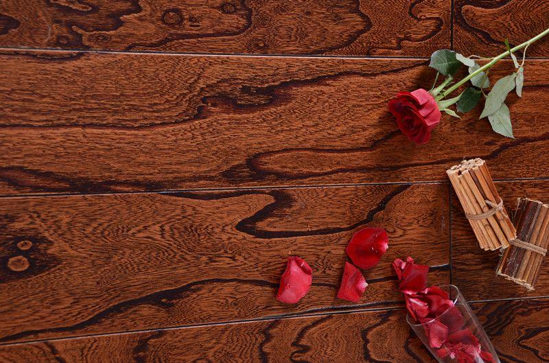 榆木浮雕黑色实木复合地板