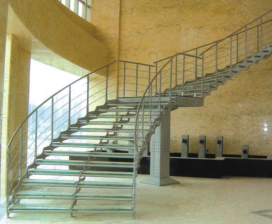 大型玻璃楼梯产品图片