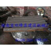 颚式破碎机配件有:齿板、边护板、压块、压头
