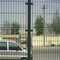 供应防护用铁丝网,铁丝网围栏,铁丝网围墙