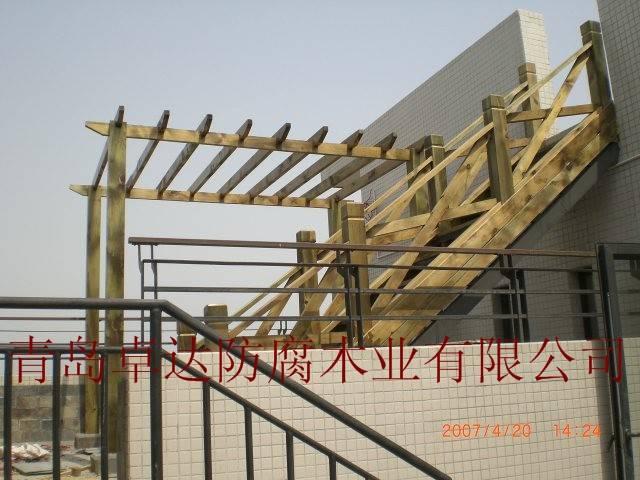 防腐木平台护栏 - 青岛卓达wjk