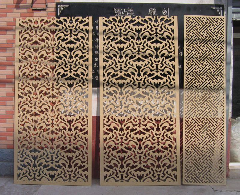 com/   主要生产加工:仿木雕刻,木雕,镂空隔断,吊顶,浮雕,隔断,门庭
