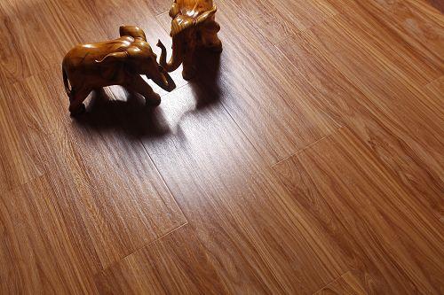 成都莱茵春天林海之春系列地板 孔雀香檀-RS5829