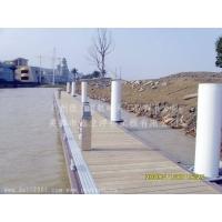 进口防腐木面板结构游艇码头