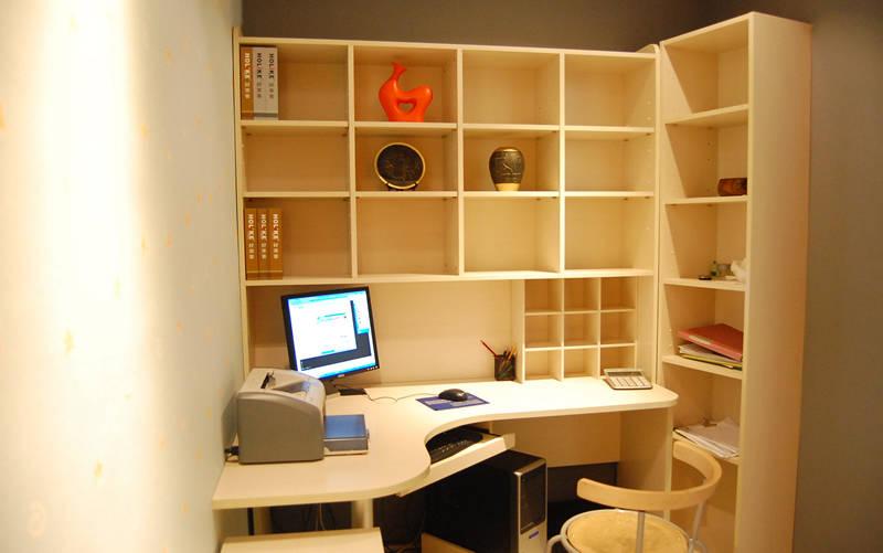 瑞斯家电脑桌书柜