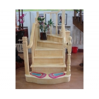 花岗石色实木楼梯