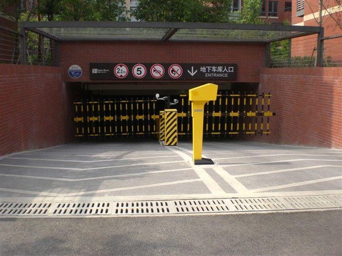 """我公司誠招全國各地經銷商,區域總代理 我公司面向全國提供生產技術轉讓。 產品特性: (一)強度高:采用高分子合成材料,配以鋼筋骨架,經高溫模壓成型,最高檢測結果達54噸,符合和超過中華人民共和國建設部頒布的最新CJ/T211-2005標準。 (二)外觀美:檢查井蓋表面花紋設計精美,可制成各種顏色,美化城市環境。 (三)重量輕:產品重量僅為鑄鐵的三分之一左右,便于運輸、安裝、搶修,大大減輕了勞動強度。 (四)防偷盜:該合成材料無回收價值,自然防盜;并設有鎖定結構,實現井內財物防盜。能徹底杜絕""""城"""
