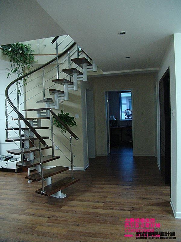 志腾钢木楼梯,志腾实木楼梯
