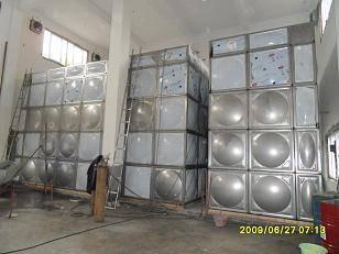 成都水箱安�b�N售13308197037