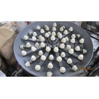 58采用增强工程塑料注射成型。独特的蘑菇状压差补偿过滤集水器,是系统在过滤状态下各部分水压平衡,过滤流速高,效率高;在反洗状态下,形成内环流,反冲效率高且不跑砂。      过滤状态时,将过滤后的水均匀地收集并流出。平流过滤,过滤器可以