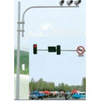 供应个各种规格的监控杆、交通信号灯