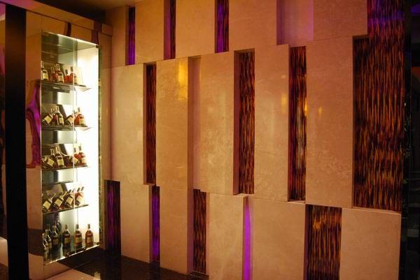 普通商家 主营产品:新型装饰板材; 透光石; 琅彩板; 生态树脂板