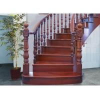 阁楼木楼梯