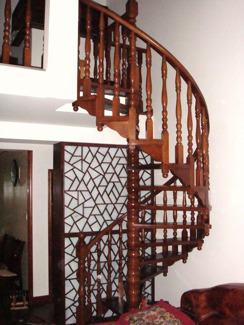 南京红灯木楼梯-旋转型木楼梯-装修实景4图
