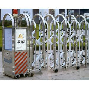南京联润铁艺装饰工程公司-大门系列-伸缩门