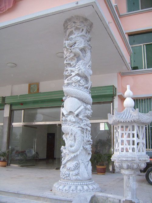 中国最专业石雕龙柱生产商