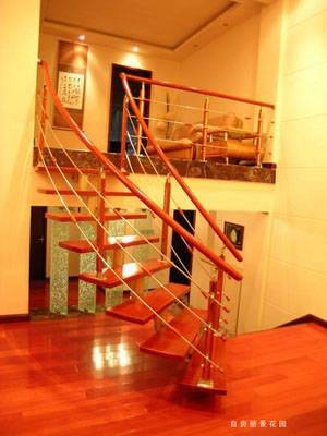 躍層紅橡木樓梯裝修效果圖大全