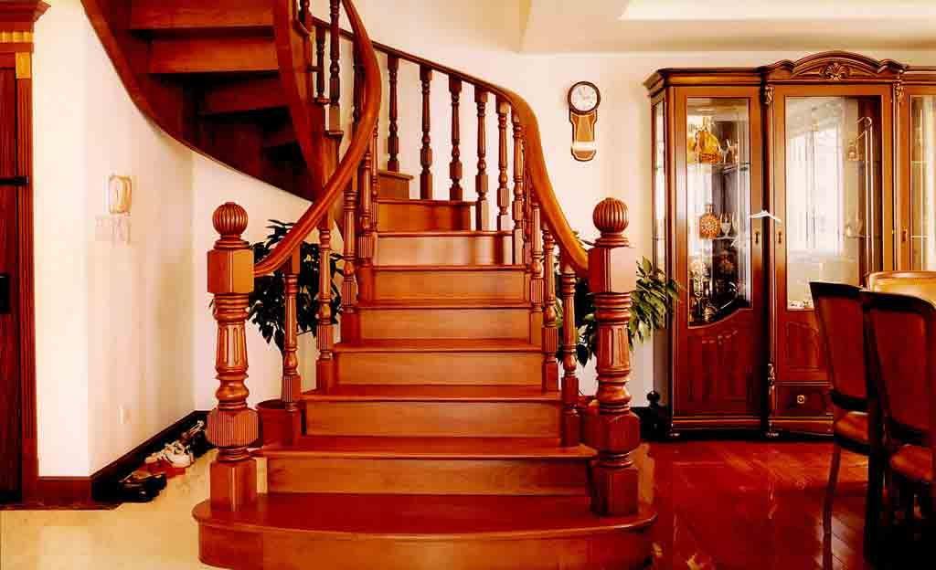 """天津鑫印楼梯安装有限公司是天津市的一家专业从事各类商用、家用成品楼梯和工程楼梯,以及精品护栏、围栏的大型生产企业。 鑫印楼梯安装有限公司,从1998年创立至今,我们始终坚持科技创新,管理创新,坚持人与环境和谐的价值观,坚持 """"诚信第一,质量第一 ,顾客第一,服务第一""""的经营理念,着力于建立一个资源汇集、共享与分配的平台,不断提高企业文化的建设,我们将源源不断的提供超越他人的技术与产品,为广大消费者服务,愿与广大同仁共同发展。 设计理念 鑫印楼梯的设计师会根据客户房型、洞口尺寸、房间使用功能等因素,配"""