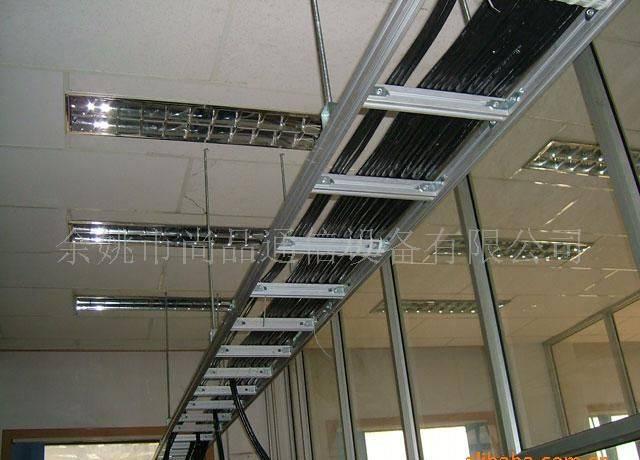 钢结构厂房用什么桥架